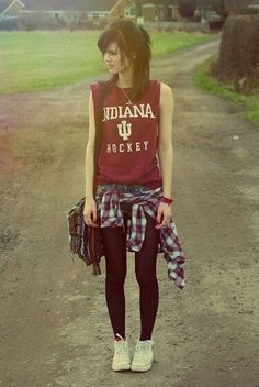 40 Cute Hipster Outfits For Girls http://fashion.ekstrax.com/2014/03/cute-hipster-outfits-for-girls.html I like her hair. :)