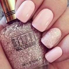 This is my new favorite sparkly nail polish!