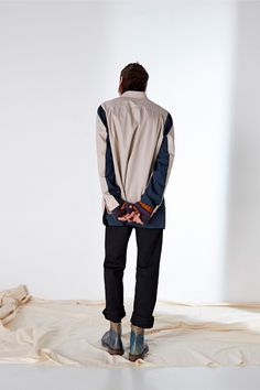 Treating the outsider as the brand's protagonist, Maison Margiela calls upon the characters of today's Beat Generation to join us in peaceful protest. A collection emerges from humble beginnings, with a pure dedication to process and a quiet... »