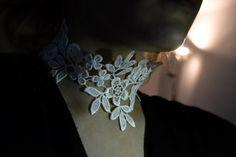 Luna nueva collar/gargantilla por MysticStormsDesign en Etsy