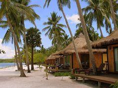Krabi og Koh Mook - Rejse med to skønne steder i Thailand Bamboo House Design, Tropical House Design, Tropical Houses, Beach Bungalows, Beach Resorts, Hotels And Resorts, Krabi, Bungalow Hotel, Tiny Beach House