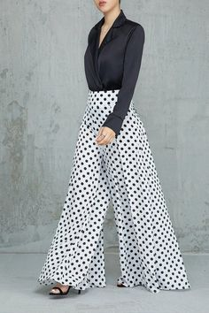 Connect the dots (white & black) white dress outfit, valentine's day outfit, White Dress Outfit, Dress Outfits, Fashion Pants, Fashion Dresses, Pants For Women, Clothes For Women, Mode Hijab, Western Dresses, Pants Pattern
