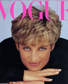 Princess Diana Birthday, Princess Diana Hair, Princess Diana Pictures, Diana Haircut, Sam Mcknight, Hair Shades, Diana Spencer, Lady Diana, Her Hair