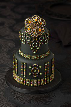 This man is an extraordinary cake artist: Byzantine Cake / Chanel Cake  by Djalmma Reinalldo (Cake Designer), via Flickr