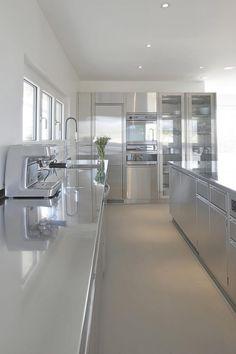 Stainless Kitchen, Cuisines Design, Design Moderne, Shop Ideas, New Kitchen, Kitchens, Board, House, Furniture