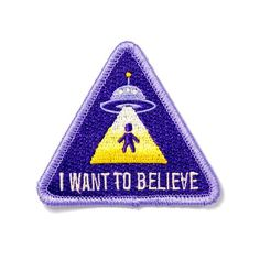 The truth is out there - Embroidered patch with merrowed edge - Iron-on adhesive backing - Measures Cute Patches, Pin And Patches, Iron On Patches, Embroidery Patches, Embroidered Patch, Battle Jacket, Estilo Grunge, Morale Patch, Stickers