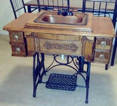 Antique Treadle Sewing Machine Vanity Bathroom Sink --how cool!This time, we have some best DIY & Crafting ideas for your old sewing machine. Because instead of throwing away the sewing machine, we better recycle it. Decor, Diy Table, Upcycled Furniture, Home Decor, Sewing Table, Sewing Machine Cabinet, Vintage Bathroom Sinks, Old Sewing Machines, Sewing Machine Tables