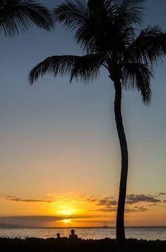 Sunset at Kaanapali Beach on the island of Maui in Hawaii