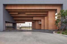 Ratchut School / Design in Motion