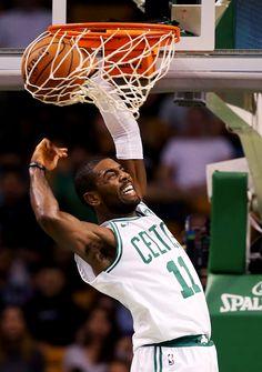 Kyrie Irving estreia no Boston Celtics (Foto: Maddie Meyer / GETTY IMAGES NORTH AMERICA / AFP)