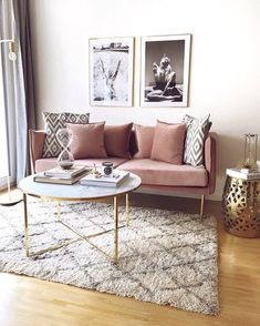 Samt-Sofa Ivy - Home Accents living room Living Room Sofa, Apartment Living, Living Room Decor, City Apartment Decor, Living Rooms, Living Room Inspiration, Home Decor Inspiration, Furniture Inspiration, Rosa Sofa