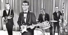"Buddy Holly And His Crickets Sing ""That'll Be The Day"" On 'The Ed Sullivan Show' via LittleThings.com Ritchie Valens, The Ed Sullivan Show, Buddy Holly, Crickets, Old Music, Singing, Death, Dance, Songs"