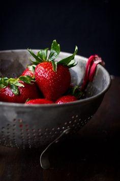 -BLEN: Strawberry Jelly-  Strawberries Fruit And Veg, Fruits And Veggies, Fresh Fruit, Gula, Strawberry Cakes, Strawberry Fields, Strawberry Picking, Strawberry Jelly, Strawberries And Cream