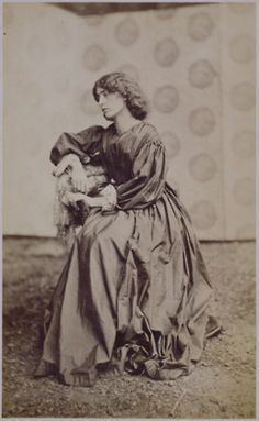 Jane Morris 19 October 1839 – 26 January was an English artists' model who embodied the Pre-Raphaelite ideal of beauty. She was a model and muse to the artists William Morris, whom she married, and Dante Gabriel Rossetti. Old Pictures, Old Photos, Vintage Photos, Antique Photos, John William Waterhouse, Art Nouveau, Pre Raphaelite Brotherhood, Dante Gabriel Rossetti, John Everett Millais