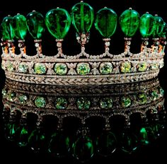 Google Image Result for http://2.bp.blogspot.com/--TslTeGNmBk/TfQy0NBvOTI/AAAAAAAAYwo/oV-KvdRpV2Y/s1600/Emerald-and-Diamond-Tiara-Formerly-in-the-Collection-of-Princess-Katharina-Henckel-von-Donnersmarck-2.jpg