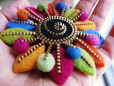 Felted zipper flower..