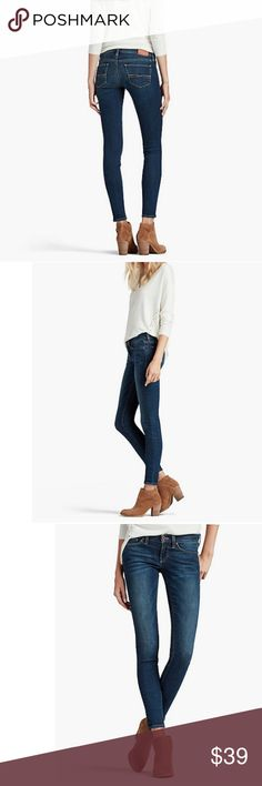 """LUCKY BRAND Charlie Skinny jeans Cute, comfortable and stylish Lucky Brand skinny jeans in classic dark indigo blue denim with embroidered pocket detail. Low rise (8"""") in front and medium rise (12.8"""") in back, straight leg through hip and thigh, skinny lower leg (12"""") opening. Lucky Brand Jeans Skinny"""
