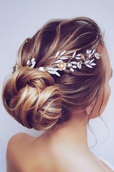 42 Wedding Updos For Long Hair 42 Wedding Updos For Long Hair ❤ wedding updos for long hair low bun slightly messy with halo hairbyhannahtaylor – Farbige Haare Bobby Pin Hairstyles, Bride Hairstyles, Headband Hairstyles, Hairstyle Ideas, Long Hair Wedding Updos, Bridal Hair, Wedding Hairstyle, Hair Scarf Styles, Short Hair Styles