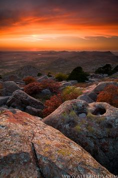 One of my favorite places in the world Scott Sunset, Wichita Mountains National Wildlife Refuge, Oklahoma, USA.this is wayyyy too beautiful for words! Beautiful Places To Visit, Oh The Places You'll Go, Beautiful World, Great Places, Wichita Mountains Oklahoma, Oklahoma City, Lawton Oklahoma, Tulsa Oklahoma, Ville New York