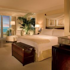 Brides.com: The Best Florida Hotels for Your Honeymoon. 13. Ritz-Carlton, Fort Lauderdale. This elegant hotel takes its design cues from the sea—imagine a wave-like façade, and the glamorous décor of early 20th-century ocean liners. (And it makes sense—most travelers kick off their Caribbean cruises in Fort Lauderdale.) Rooms are spacious with divans, lovely marble bathrooms, and cool black and white photos of people lounging on Florida beaches in the 1940s. There's also a gorgeous circular…