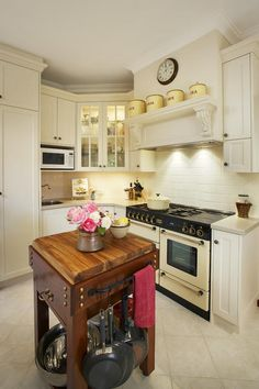 1000 images about renovation federation on pinterest for Federation kitchen designs