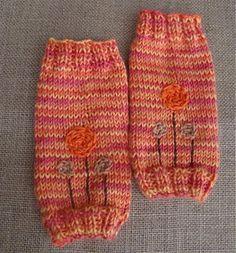 Lollipop Leg Woolies by vickiehowell: Free knitting pattern! #Babies #Leg_Warmers #vickiehowell