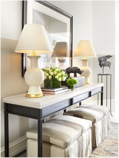 no fail objects for styling a console table. Console table with benches underneath. Maybe add wheels to the benches so they are eay to move around. Hall Deco, Foyer Design, House Design, Lobby Design, Modern Console Tables, Console Table Decor, Console Table Living Room, Console Table Styling, Large Console Table