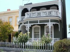 Melbourne house with iron railings Australian Houses, Iron Railings, Melbourne House, Set Design, Beautiful Homes, Memories, Mansions, Architecture, House Styles