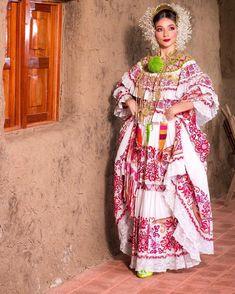 Panamá 🇵🇦 Sari, Culture, Dresses, Fashion, Saree, Vestidos, Moda, Fashion Styles, Dress