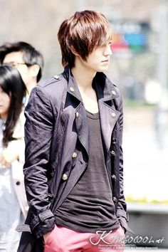 Lee Min Ho's clothing in City Hunter was not too shabby.