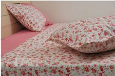Floral Sheets - check various designs and colors on Pretty Home http://www.prettyhome.org/floral-sheets/