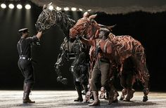 War Horse- epic puppetry, close to Morpurgo's book Show Horses, War Horses, Riding Horses, His Dark Materials, Stage Design, Theatre Design, Set Design, Guernica, Theatre Geek