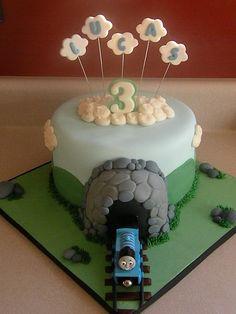 Thomas the Train cake - For Jaxon? Thomas Birthday Parties, Thomas The Train Birthday Party, Train Party, 3rd Birthday, Birthday Cakes, Fun Cupcakes, Cupcake Cakes, Thomas And Friends Cake, Thomas Cakes