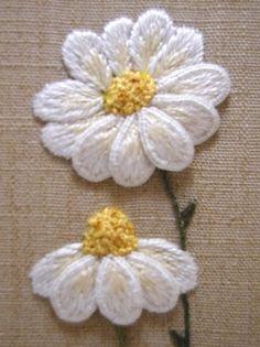 Stumpwork daisies - Tutor Kelley Aldridge