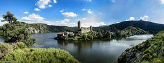 Les Gorges de la Loire (Rhône-Alpes) et le château de Grangent.
