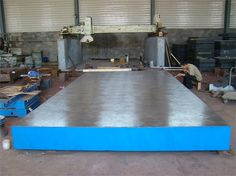Inspection of cast iron plate use: is suitable for each kind of examination work, precision measuring reference plane; for machine tool mechanical inspection measurement datum; inspection of parts size precision or the shape deviation, and tightly crossed, in machinery manufacturing is an indispensable basic tools.