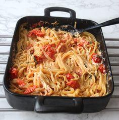 Wok, Guacamole, Spaghetti, Food And Drink, Pasta, Ethnic Recipes, Noodle, Pasta Recipes, Pasta Dishes