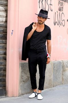A men's look worth taking notice of: in Milan