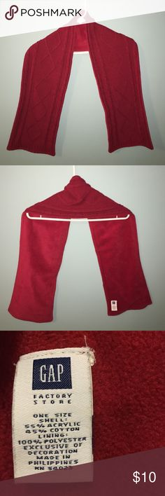 Cozy scarf Christmas red GAP Accessories Scarves & Wraps