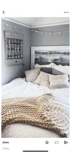 the latest Living Room Inspiration Fund it now! the latest Living Room Inspiration Fund it now! Cute Bedroom Ideas, Cute Room Decor, Room Ideas Bedroom, Bedroom Inspo, Bedroom Inspiration, Tumblr Bedroom Decor, Teen Bedroom Colors, College Bedroom Decor, Bedroom Yellow