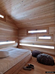 Elements: Window portals to echo room design and frame the exact views you want - what an indulgence! A Cabin in Fanes-Sennes-Braies, Italy Attic Apartment, Attic Rooms, Attic Spaces, Attic Playroom, Garage Attic, Attic Library, Attic Office, Attic Bathroom, Attic Renovation