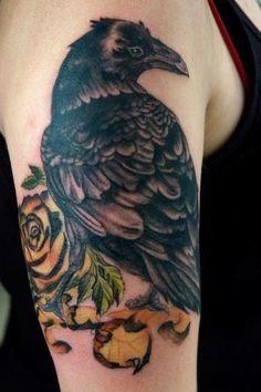 Eventually I'll get a raven tattoo. Raven tattoo by Thea Duskin of Richmond, VA Raven Tattoo Meaning, Tattoos With Meaning, Tattoo Meanings, Yellow Rose Tattoos, Paradise Tattoo, Tattoo Skin, Tattoo Art, Arm Tattoo, Life Tattoos