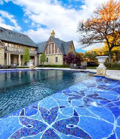 Enoy the floral inspired shapes of this colorful mosaic pool design we made for the Tudor Residence in Texas. Sicis Mosaic, Pool Finishes, English Tudor, Paris Hotels, Pool Houses, Pool Designs, My Dream Home, Exterior Design, Swimming Pools