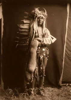Piegan man 1900