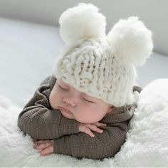 Regardless of your taste, you will find these cool baby names 2016 for girls super stylish and hip. Get inspired and find out more! So Cute Baby, Cute Baby Pictures, Baby Kind, Newborn Pictures, Cute Kids, Adorable Babies, Cute Babies Photography, Newborn Baby Photography, Pregnancy Photography