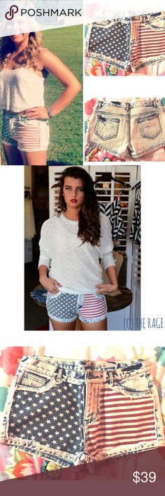 American Flag Jean Shorts🇺🇸 These white wash jean shorts are American flag themed on the front, with a couple of studs on the back pockets. Only flaw is that the button feels loose! Ellison Shorts