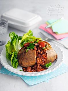 If you've got friends coming over for lunch, serve up a batch of Syn-free chilli and jacket spuds.   http://www.slimmingworld.com/recipes/chilli-con-carne.aspx