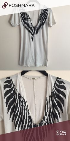 Monrow graphic tee Monrow black/white graphic tee, great condition worn only once, will fit XS/S best Monrow Tops Tees - Short Sleeve
