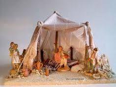 Resultado de imagen de COMOHACER TIENDAS PARA PESEBRES Christmas Nativity Scene, Christmas Villages, Christmas Crib Ideas, Broken Pot Garden, Arabian Tent, Fontanini Nativity, Diy Crib, Disney Traditions, Fairy Garden Houses