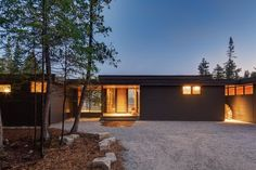 Modern, environmentally conscious homes. Single Story Homes, Interior Design Photography, Cottage Design, Story House, Master Suite, Backdrops, Living Spaces, Environment, Floor Plans